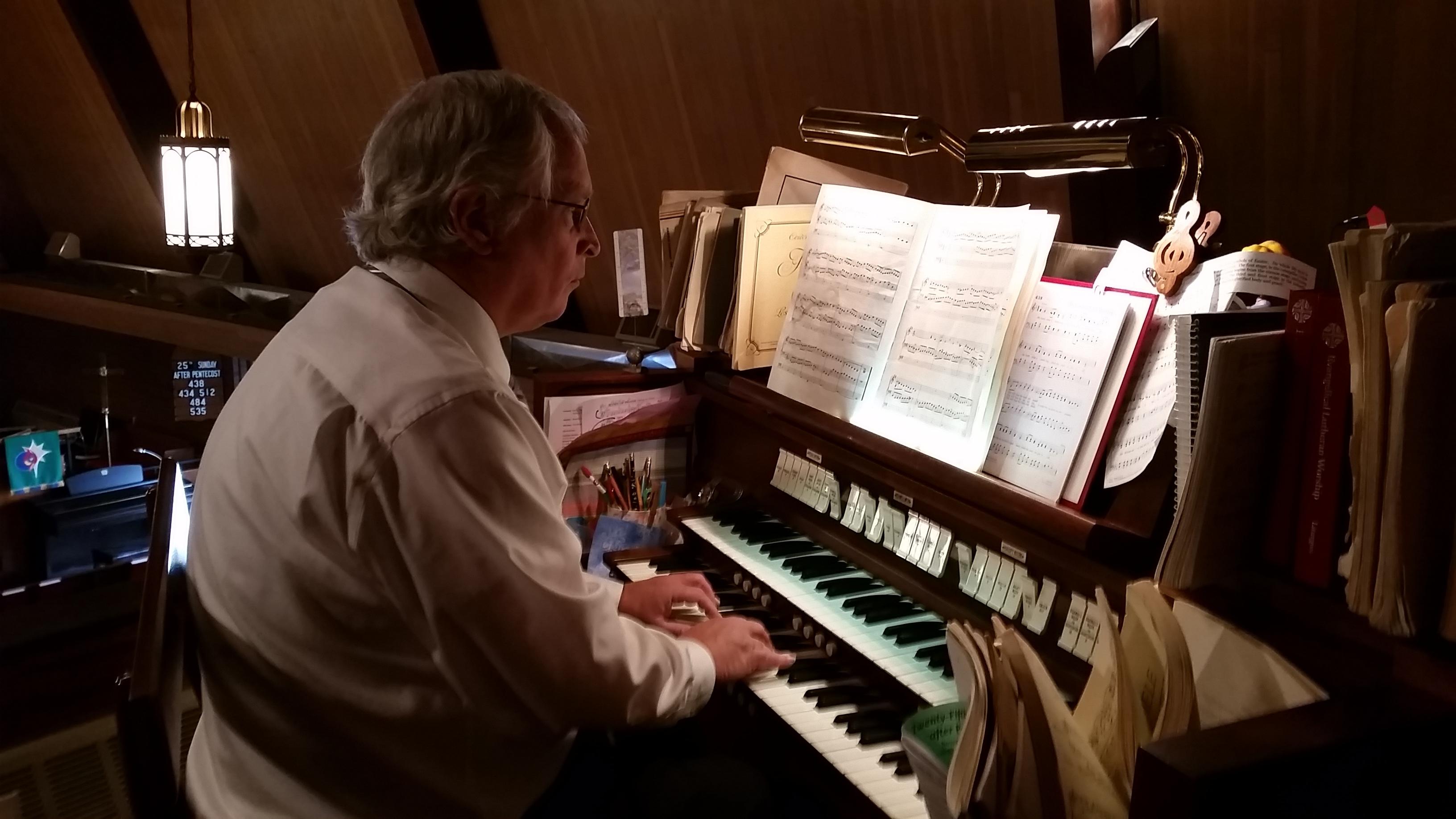 Arnie on the Organ